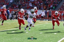 120 - USF RB Johnny Ford Rushing TD vs. Houston 2018 by Will Turner | SoFloBulls.com (5472x3648) - 0H8A9719