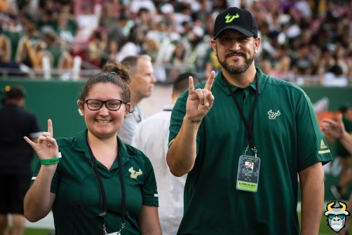 03 – Wisconsin vs USF 2019 – 3rd Leg Greg Wolf with Staff Member by David Gold – DRG04464