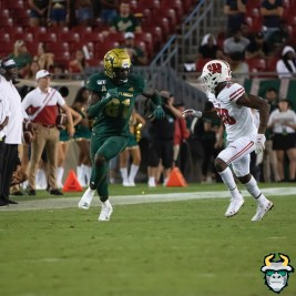 128 - Wisconsin vs USF 2019 - USF TE Kevin Purlett by David Gold - DRG06951