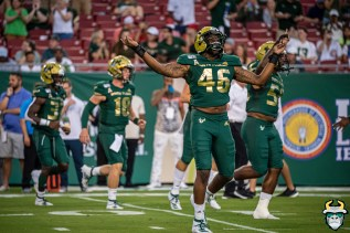 26 – Wisconsin vs USF 2019 – USF DE Ryan Thaxton by David Gold – DRG04598