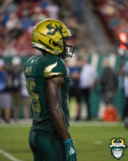 82 – Wisconsin vs USF 2019 – USF WR Jernard Phillips by David Gold – DRG06006