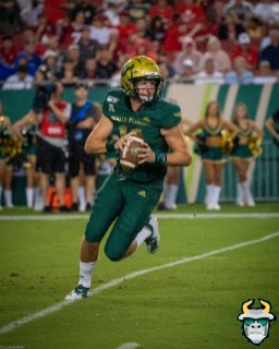 83 – Wisconsin vs USF 2019 – USF QB Blake Barnett by David Gold – DRG06013