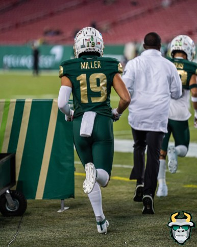 8 - Cincinnati vs. USF 2019 - Bryce Miller by David Gold - DRG01153