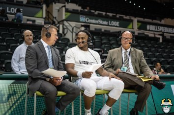 29 - UConn vs. South Florida Men's Basketball 2020 - Laquincy Rideau with ESPN commentators - DRG09127