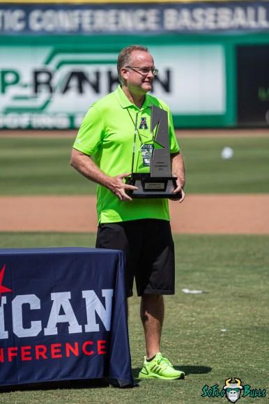 144 USF vs UCF Baseball Bulls Michael Kelly 2021 AAC Championship Trophy DRG01263