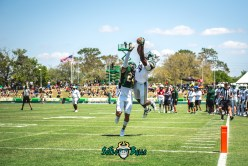 80 - USF Spring Game 2018 - USF WR Randall St. Felix Nick Roberts by Dennis Akers - SoFloBulls.com (4442x2965)
