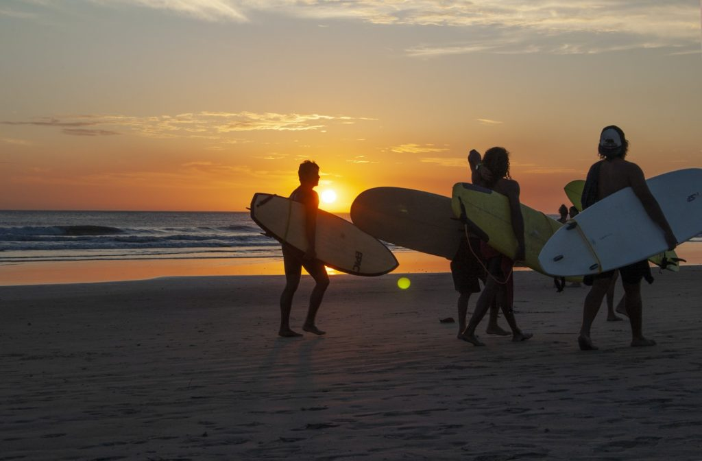 best time to visit costa rica for surfing