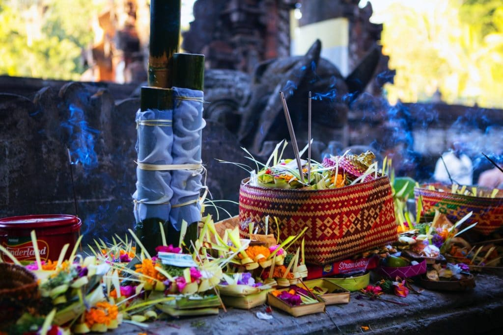 offerings to the gods in Hinduism