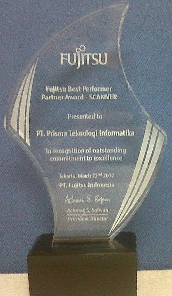 dmr_fujitsu_award_2012