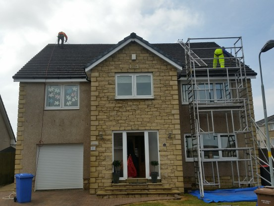 Getting your roof cleaned in Scotland