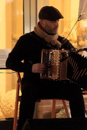 Musica Popolare - Proteste crisi economica Roal Castelfidardo (2)