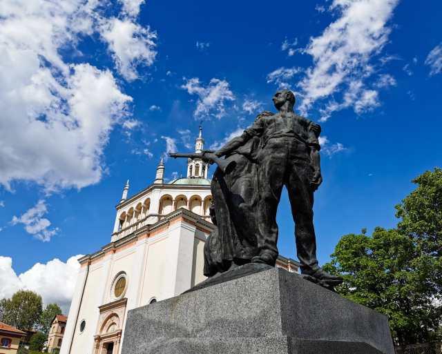 statua ai caduti