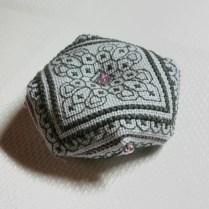 biscornu-gris-aurelle03