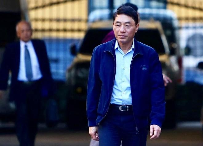 Sau khi bị tuyên hơn 30 tháng tù, 2 cựu Thứ trưởng Bộ Công an bình thản rời tòa - Ảnh 3.