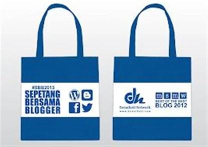 Door Gift untuk majlis Sepetang Bersama Bogger 2012 (gambar: Abangensem.com)