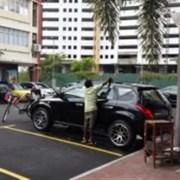 gambar orang cuci kereta