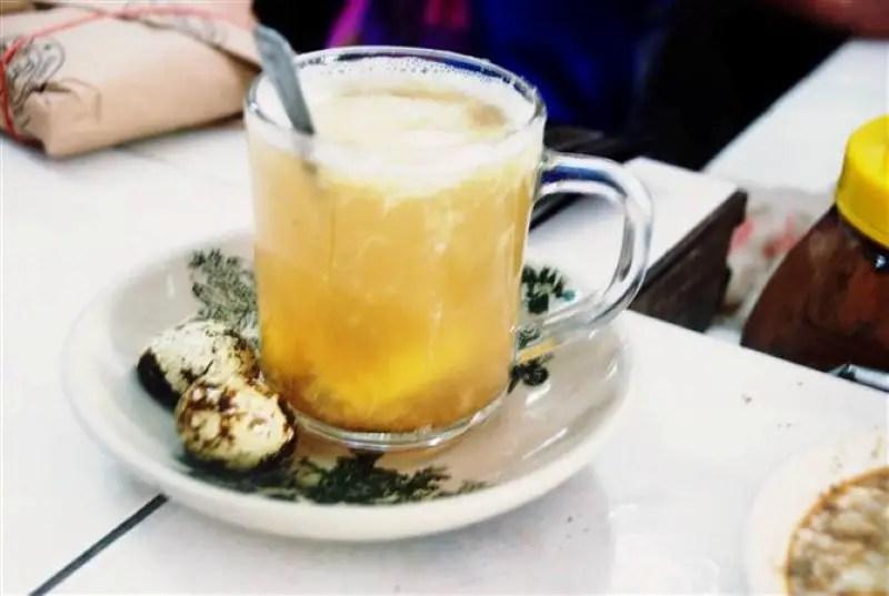 Teh Halia Telur Puyuh, salah satu menu rare yang ada di Kedai Kopi Din Tokyo