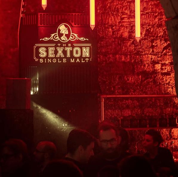 Photo d'ambiance de la soirée Sexton au Chapelais de Paris