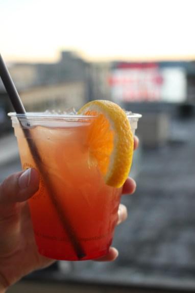 Cocktail depuis le rooftop du Hard Rock Café Seattle