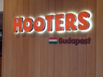 Hooters Budapest