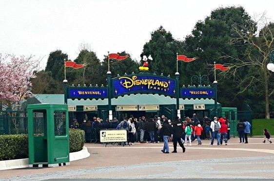L'entrée principale de Disneyland