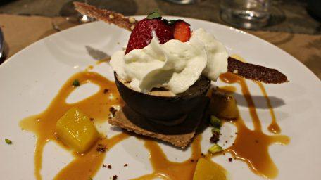 Fleurs de Thym - Croustillant trois chocolats, caramel et mangue
