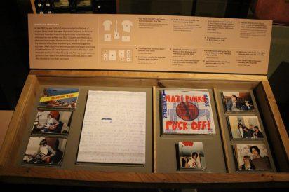 Au centre, une lettre de Buzz Osborne des Melvins à Krist Novoselic et sa femme - 16 avril 1986