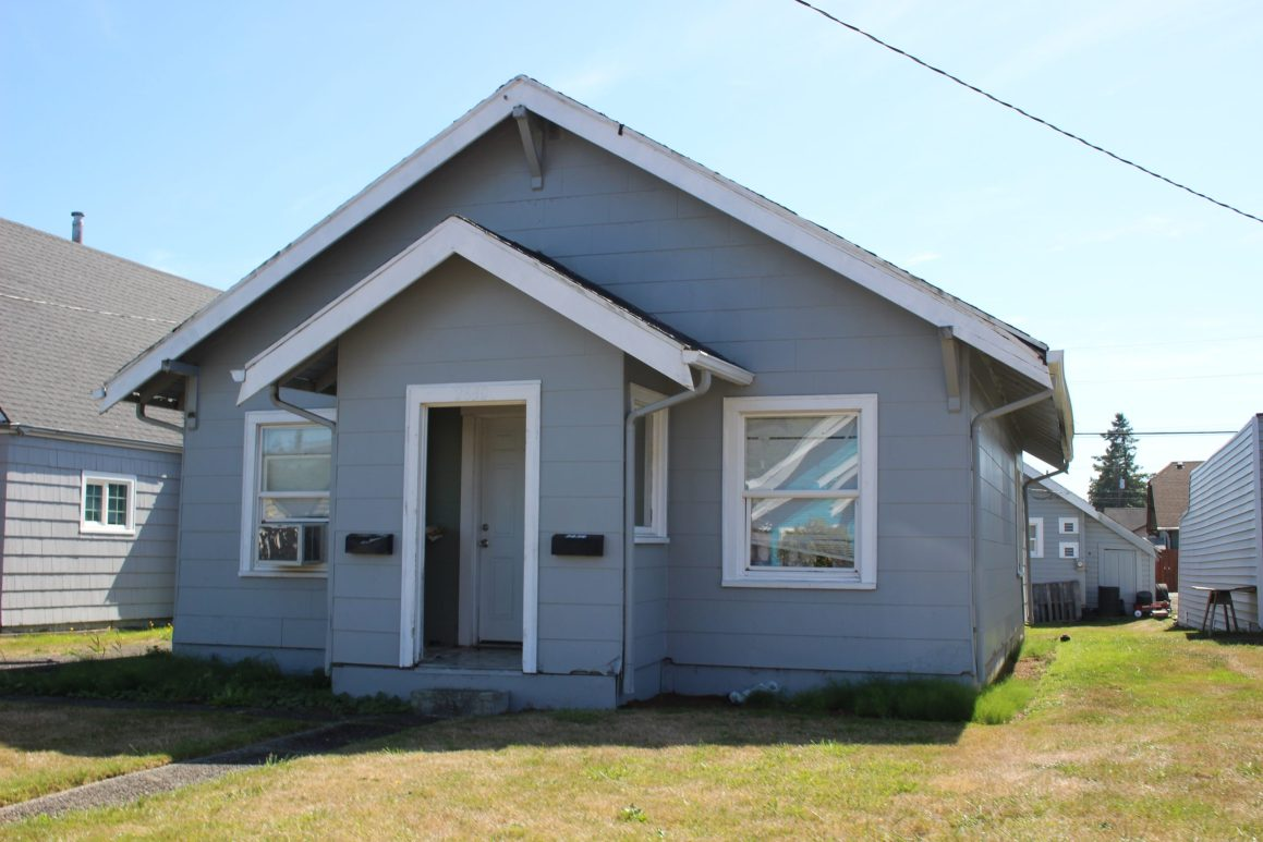 2830 Aberdeen Avenue - Hoquiam