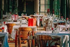 soigner son alimentation en voyage au restaurant