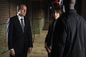 "Agents of SHIELD - ""Heavy is the Head"""