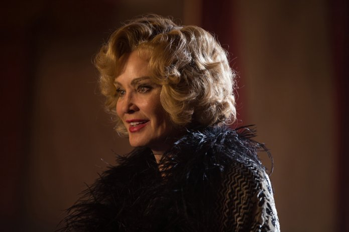 "American Horror Story: Freak Show - ""Curtain Call"""
