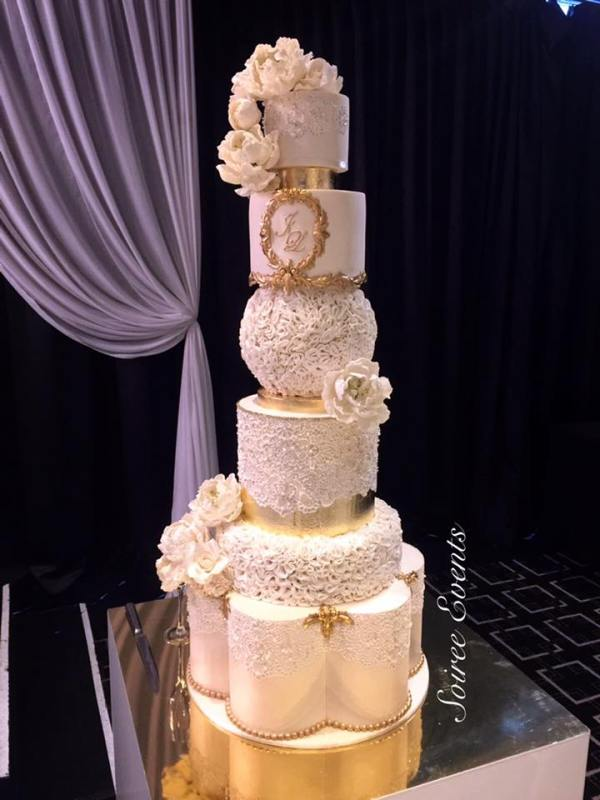Lace and Ruffle Wedding Cake 2