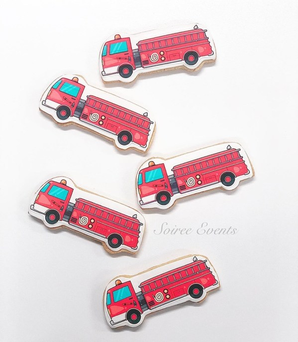 printed-edible-image-fire-truck-cookies