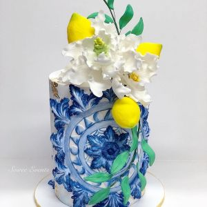 Single tier amalfi cake