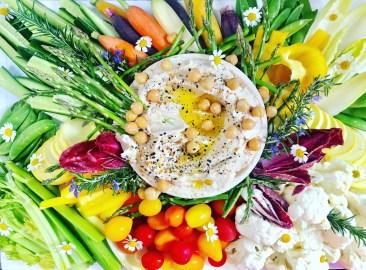 Crudité & Hummus Platter