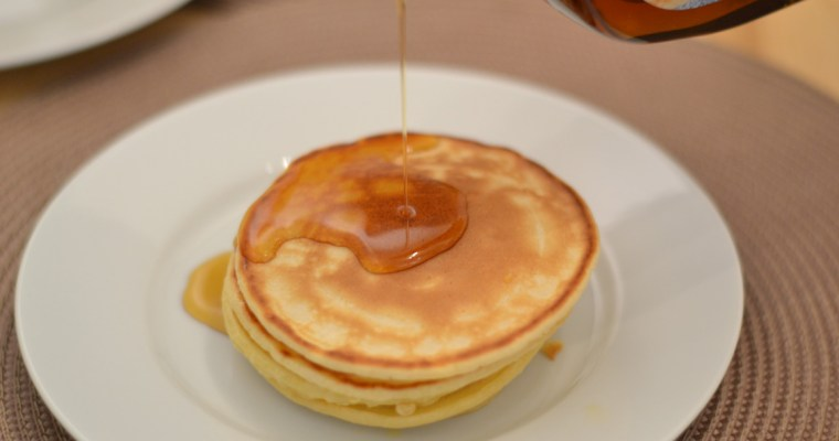 American Pancakes mit Maple Syrup