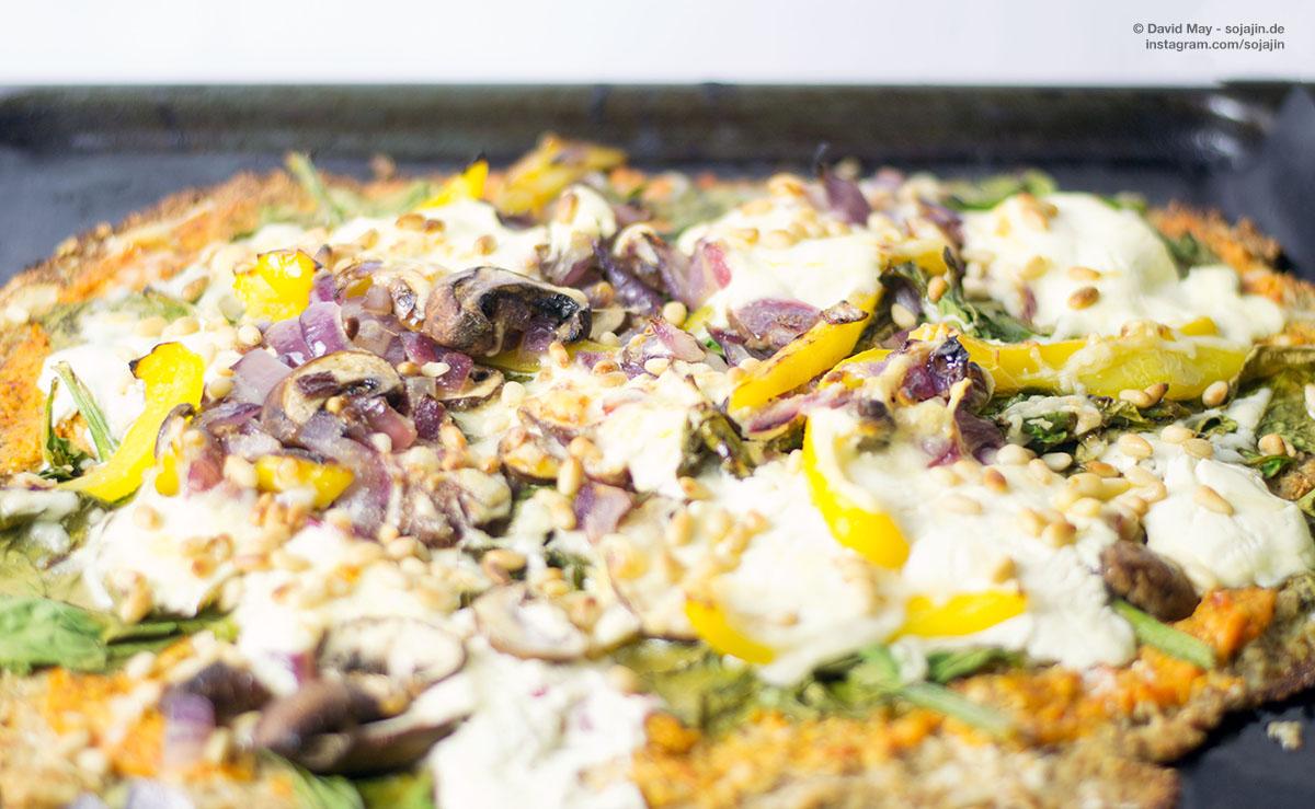 Gesund & lecker: Spinatpizza mit Blumenkohl-Boden
