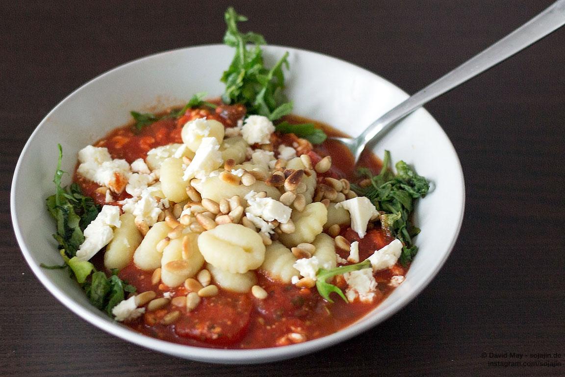 Gnocchi in Tomate-Feta-Soße
