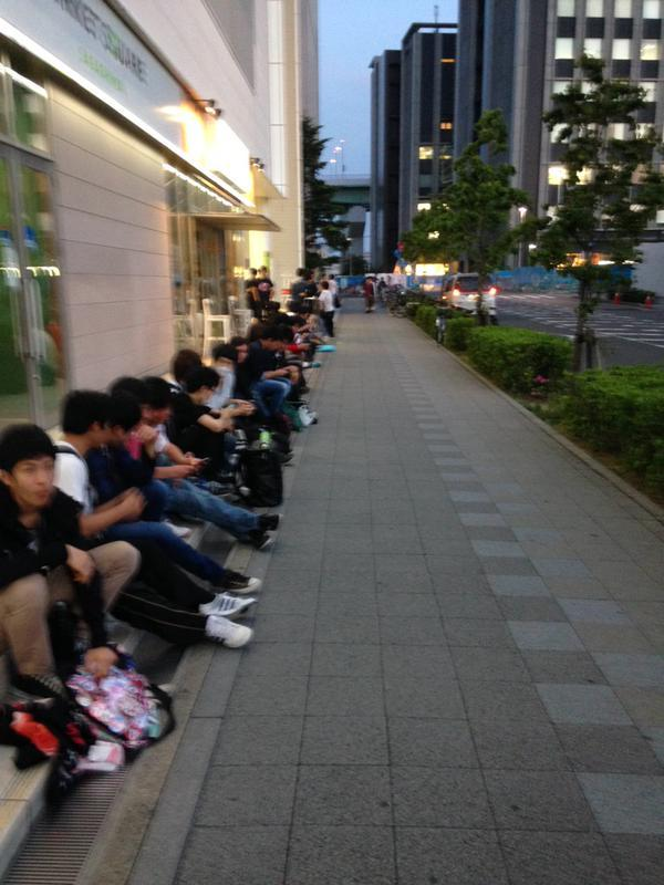[ANIME] Long lines form for Love Live! movie advance tickets sale
