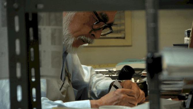 hayao-miyazaki-working-on-the-wind-rises-c2013-dwango1