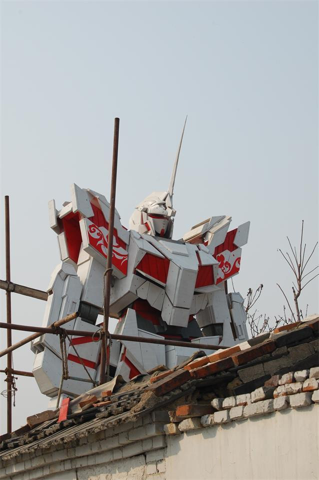 [RANDOM] Fan builds 6.6-metre Unicorn Gundam in China, and it looks better than expected