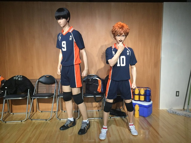 "Universal Studios Japan gives Haikyuu!!'s Shouyou and Tobio ""Realistic"" life-size statues"