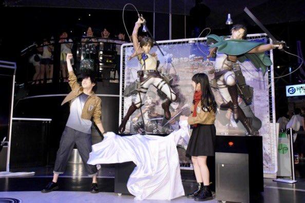 Yuuki Kaji and Yui Ishikawa reveal new life-size Eren and Levi statues at Joypolis