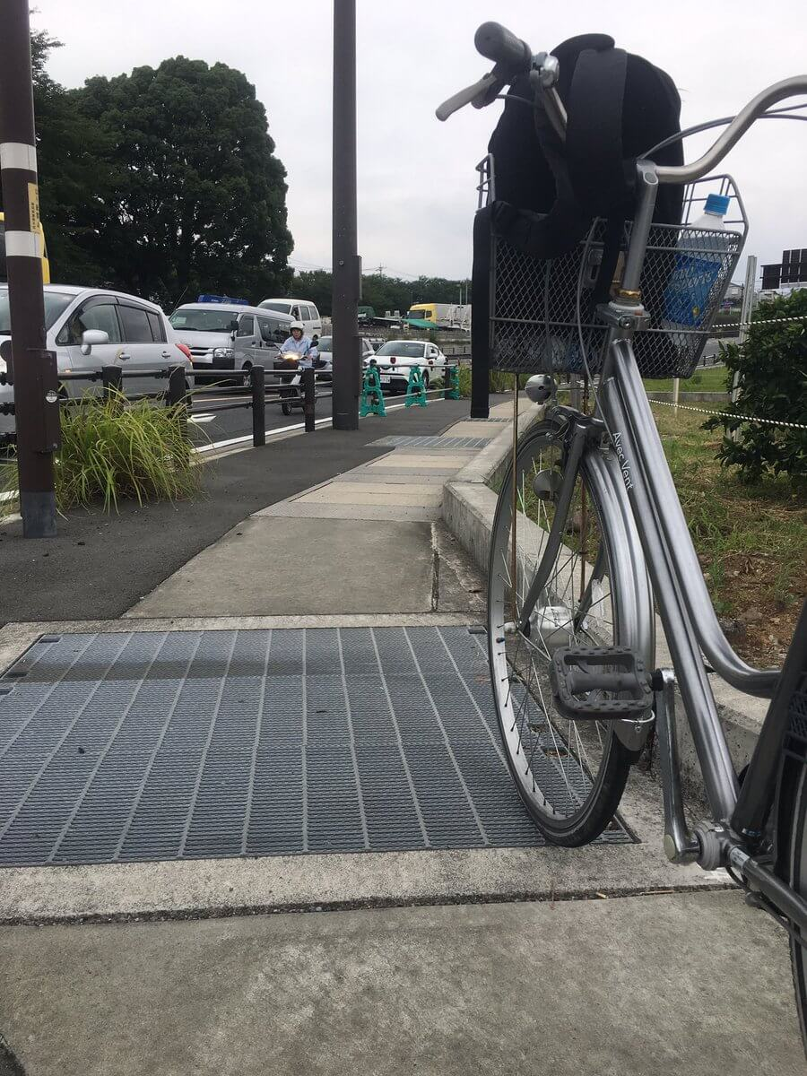Fan travels 77 hours by bike just to get to Comiket 92