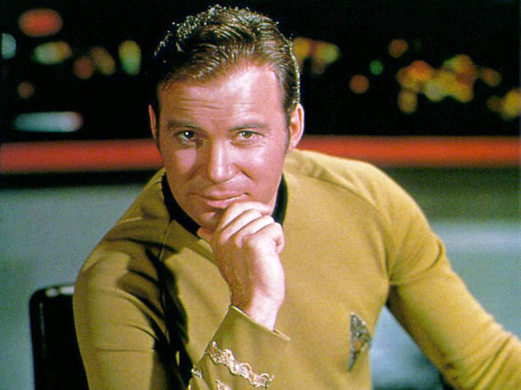 Captain Kirk himself, William Shatner, reveals that he watches Love Live!