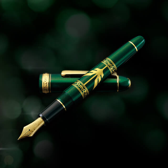 "This Stylish ""Gundam"" Zabi Family Fountain Pen is Just Exquisite!"