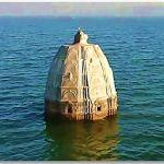 ৫০০ বছরের পুরনো মন্দিরের চূড়া ভেসে উঠল নদীর বুকে! সোজাসাপ্টা