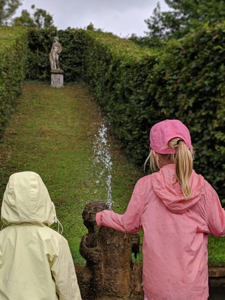 Promenade en famille dans les Jardins d'Annevoie