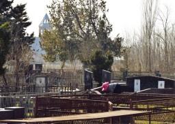 Cemetery in Apeni