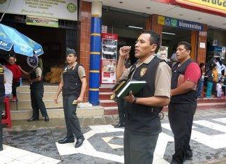 В Перу полицейские посреди улицы устроили Евангелизацию